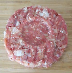 Burgerpattie-gemischtes Hackfleisch mit Speck