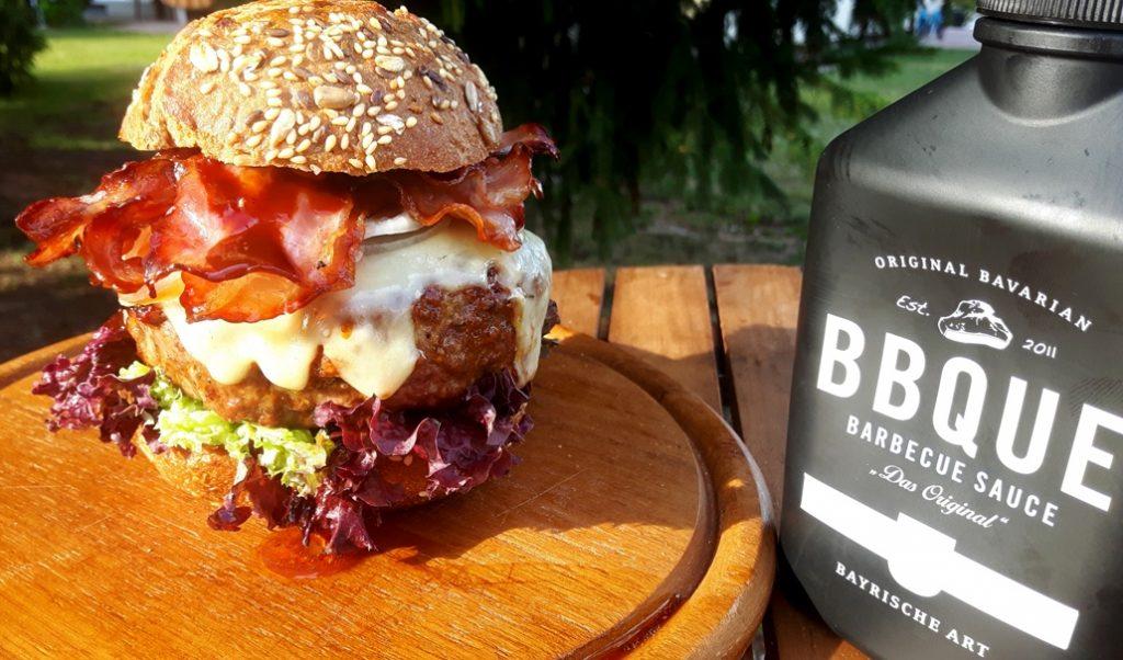 Big Boss Burger mit Barbecuesauce