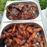 Chicken Wings und Baby Back ribs gesmoked